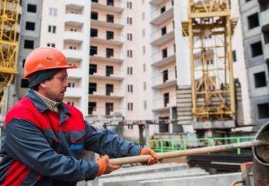 Кто строит новые дома по реновации?